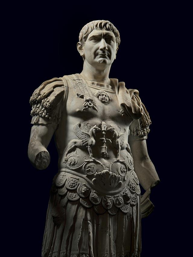 Marco Ulpio Trajano (en latín Marcus Ulpius Traianus,1 conocido abreviadamente como Trajano (Itálica, Santiponce, junto a la actual Sevilla, 18 de septiembre de 53 - Selinus, 9 de agosto de 117) fue un emperador romano que reinó desde el año 98 hasta su muerte en 117. Fue el primer emperador de origen no itálico.