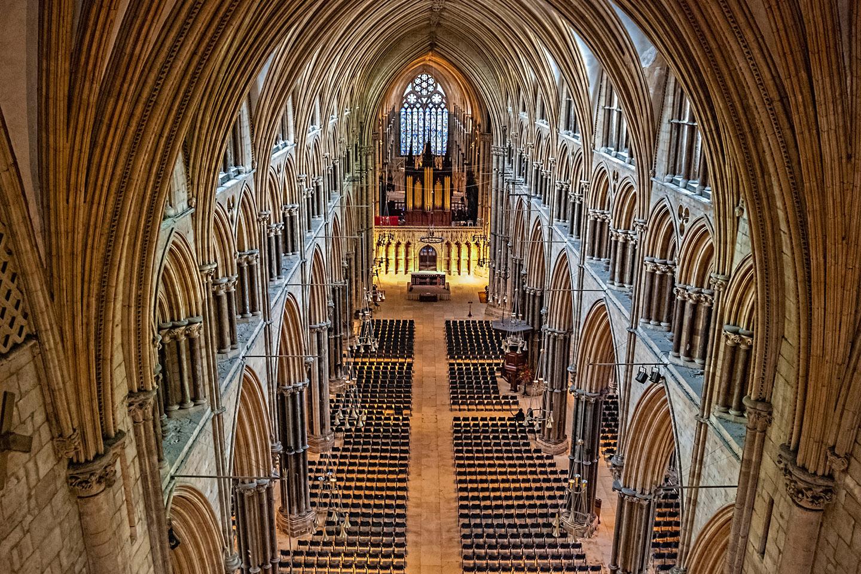 La tercera catedral más grande en toda la Gran Bretaña, la catedral de Lincoln fue conocida  por ser el edificio más alto del mundo durante 238 años