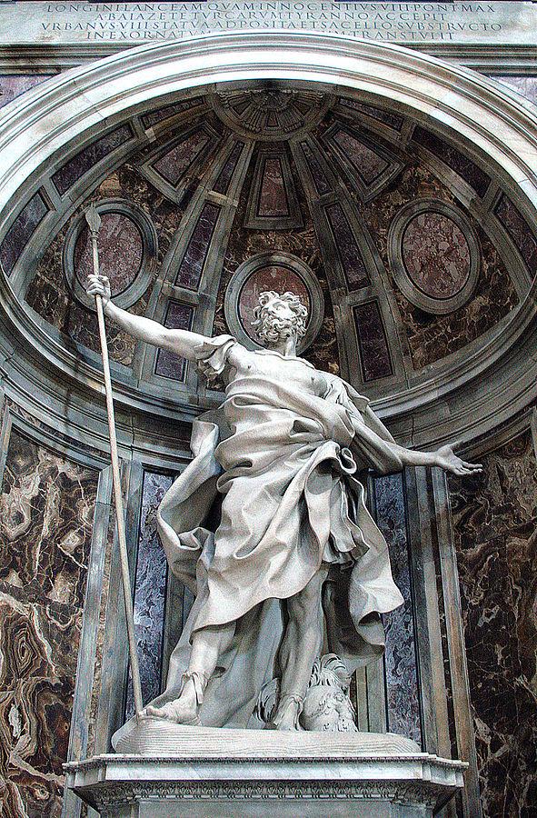 591px-0_statue_de_saint_longin_par_gian_lorenzo_bernini_-_basilique_st-pierre_-_vatican