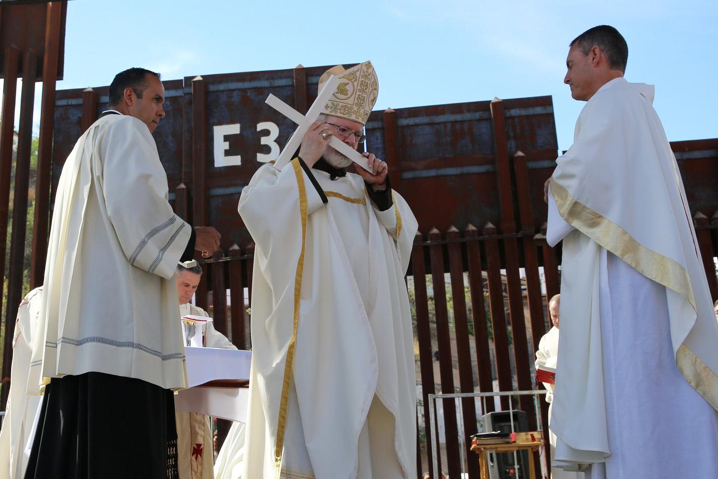 web-border-bishop-mass-george-martell-the-pilot-media-group-cc
