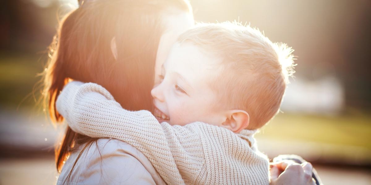MUM, HUG, CHILD