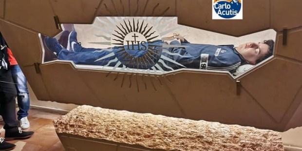Abierta al público la tumba de Carlo Acutis